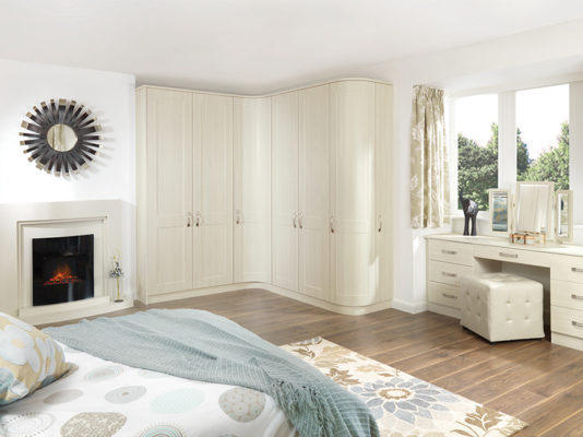Shaker White Avola fitted bedroom